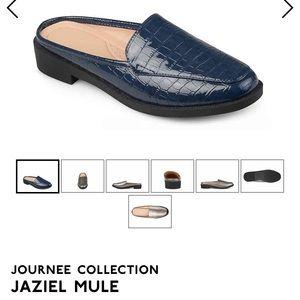Jaziel blue Mule Size 6.5